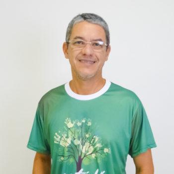 <b>Edson Rivelino Costa</b>